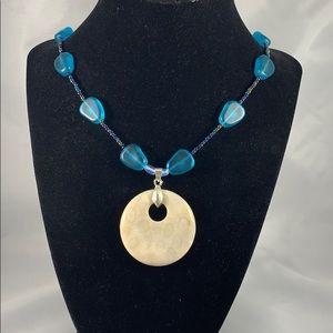 Circle pendant w/ glass accent necklace